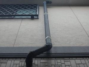 <p>縦樋は色褪せ・チョーキングが見受けられました。