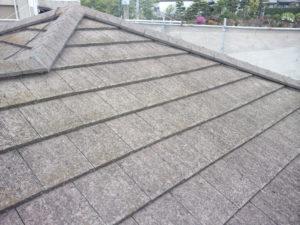 <p>屋根は色褪せ・コケが見受けられます。
