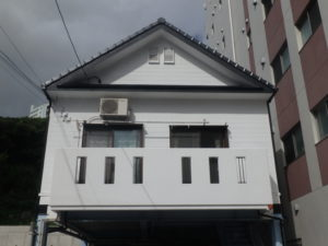 <p>真っ白な外壁がとても綺麗です。