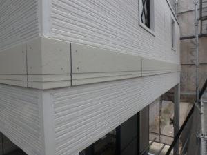 <p>幕板は附帯部の塗装と共に行います。