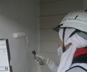 <p>下塗りの2回目を塗布します。