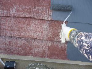 <p>屋根も塗装していきます。