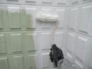 <p>塀の下塗りです。